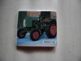 Fèves Rare Série Royal Ceram Les Tracteurs FENDT F 20 - Fèves