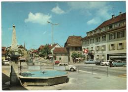 CPSM SUISSE SISSACH Dorfplatz Mit Dorfbrunnen - BL Bâle-Campagne