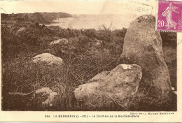 O-384-LA BERNERIE(L.-INF.)-LE DOLMEN DE LA BOUTINARDIERE - Dolmen & Menhirs