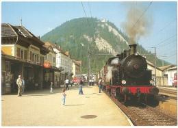 TRAIN Suisse - EISENBAHN Schweiz - FLEURIER (Gare) - Vapeur Val-de-Travers - Krauss-Maffei 030 T N° 16388 - Gares - Avec Trains