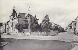 22191 VALLET : LES QUATRE ROUTES.  1116 Chapeau Rosy -enfants - France
