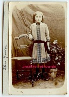 Petite Photo D´Elise Joudon De Vicq Sur Nahon-jolie Robe-mode-format 5,5 X 9cm-albuminée Collée Sur Carton - Photos
