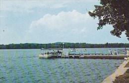 Passengers Going Aboard The Canobie Queen On Beautiful Canobie Lake Salem New Hampshire - Salem