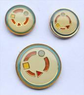 Lot De 3 Pin's Rond - Ronde De Formes Géomètriques -  D080 - Pin's