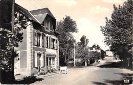 """¤¤  -  127  -  JULLOUVILLE-les-PINS   -  Avenue D' Avranches  -  Café """" HUREL """"   -  ¤¤ - Non Classés"""