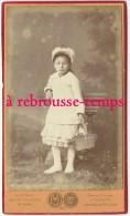 CDV Vers 1865-petite Fille Et Son Panier-n°1-photo Gustave 10 Rue Du Crucifix-Le Mans - Photos