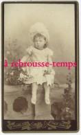CDV Vers 1880-très Jolie Petite Fille Et Son Panier-mode Enfant-n°3-photo Pannelier Av. Du Maine Paris-Se Habla Espanol- - Antiche (ante 1900)
