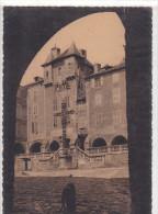22245 Villefranche De Rouergue -perspective Place Notre Dame -coll Luxe Salingardes -cim / Chien