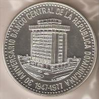 MONEDA DE PLATA DE LA REPUBLICA DOMINICANA DE 30 PESOS DEL AÑO 1977 SIN CIRCULAR-UNCIRCULATED (COIN) SILVER-ARGENT. - Dominicaine