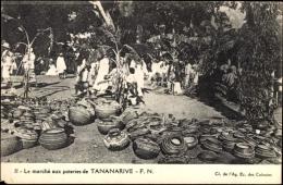 Cp Tananarive Madagaskar, Le Marché Aux Poteries, Töpfermarkt - Cartes Postales