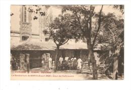 CPA :66 - Banyuls Sur Mer : Sanatorium : L´Infirmerie - Cour Infirmerie:Animation( Enfants - Infirmières  - Peu Commune - Banyuls Sur Mer