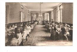 CPA :66 - Banyuls Sur Mer : Sanatorium : L´Infirmerie -Le Réfectoire Côté Filles : Fillettes Mangeant - Infirmières - Banyuls Sur Mer