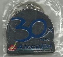 Nouvelle Calédonie New Caledonia Porte Clés Métal Cie Aérienne Airline Aircalin Aniversaire 30 Ans/yrs Anniversary - Key-rings
