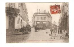 CPA :36 - Indre - Châteauroux : La Rue Victor Hugo : Hôtel France - Nombreux Attelages - Immeubles - Peu Commune - Chateauroux