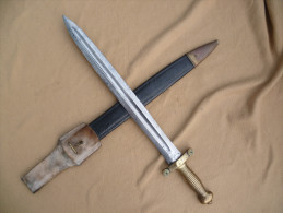 Sabre, Glaive D´infanterie Modèle 1831 Complet, Bien Daté, Avec Son Fourreau Et Son Gousset. - Knives/Swords