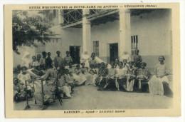 DAHOMEY - Agoué - Le Travail Manuel.  SOEURS MISSIONNAIRES De N-D Des Apôtres - VENISSIEUX - Dahomey