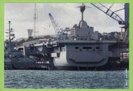 Porte-Avions CHARLES DE GAULLE à Brest, Sur L'avant Jeanne D'Arc,24/10/94, 18,4 X 12.7 Cm - Boats