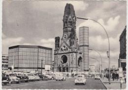 Berlin: RENAULT 4 CV & FREGATE, VW KÄFER/COX, FORD TAUNUS P1 15M, VOLVO PV 444/544, FIAT 600 - Gedächtniskirche - Voitures De Tourisme