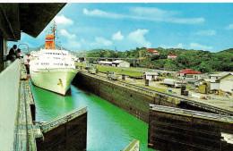 Panama. Miraflores.Eclusas De Miraflores. - Panama