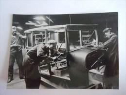 General Motors Continental Schrijnwerkers Assembleren De Koetswerken 1925 Usine Auto Originele Foto 12,30 X 17,80 Cm - Automobiles
