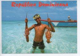 REF EY1 : CPM Carte Postale Grand Format République Dominicaine Republica Dominicana Pecheur De Langouste - Dominicaine (République)