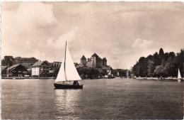 Cpsm ANNECY, Le Château Vu Du Lac  Avec Ses Petits Voiliers  (30.84) - Annecy