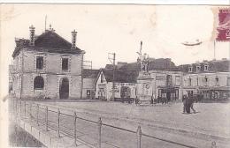 22299 Pontchateau Mairie -place Et Memorial 1914-1918 -10 Chapeau !etat! Buvette Mairie - Pontchâteau