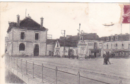 22299 Pontchateau Mairie -place Et Memorial 1914-1918 -10 Chapeau !etat! Buvette Mairie