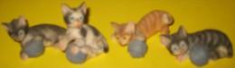 LOT DE 4 FIGURINES CHATS PM - Katten