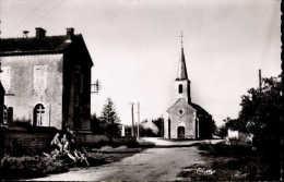 Montot ( Cote D'Or) - L'école Et L'église - France