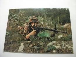 Esercito Militari Soldato Tiratore Con Fucile D'assalto - Manovre