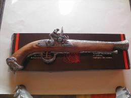 Réplique D'arme  Ancienne Pistolet Italien Du XVIII° Siècle - Decorative Weapons
