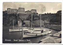 233/500 - SORRENTO , HOTEL VITTORIA . Viaggiata Nel 1956 - Napoli