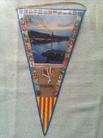 Banderín De Barcelona. Cataluña. España - Escudos En Tela