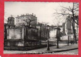 PHOTO CPSM 69 LYON  Place De Choulans Monuments Gallo-romain * Format CPM Photo PERNET - Otros