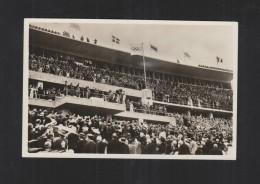 Das Olympia Stadion Bei Der Eröffnunf Blick Auf Die Führerloge - Personnages Historiques