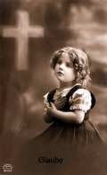 Hübsches Kleines Mädchen, Religiöse Grußkarte 1917 Gelaufen, Gute Erhaltung - Kinder