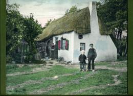 Foto ´Op De Veluwe´, Klederdracht, Boerderij, 22 X 27 Cm. - Oude Documenten