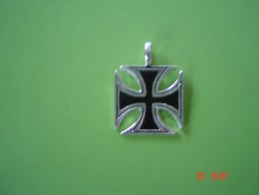 Fake Iron Cross Modern Reproduction Front & Back Shown - Other
