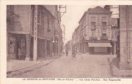 22322- La Guerche De Bretagne Les Vieux Porches Et Rue Duguesclin -photo Touin Guiné -LG -magasin Joseph - La Guerche-de-Bretagne