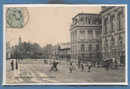 02 - SAINT QUENTIN --  La Place Babeuf - Saint Quentin