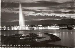 PostkaartZwitserland A562   Genéve La Nuit, Le Jet D'eau Et Le Casino - Non Classés