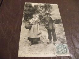 A60..CPA..15..(CANTAL). .TYPES D'AUVERGNE...PAYSANS...... Rare Beau Plan Animé .écrite & Voyagée 1907 - Zonder Classificatie