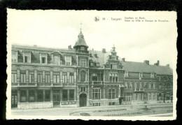 Iseghem - Izegem  :  Stadhuis En Bank - Izegem