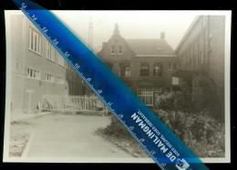 Iseghem  Izegem  : Geen Postkaart - Foto 1968  :   Congregatie  Kerkplijn - Izegem