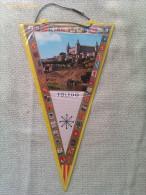Banderín De Alcázar De Toledo. Castilla La Mancha. Españar - Escudos En Tela