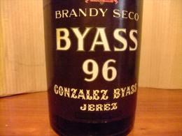 BRANDY BYASS 96 BOTELLA DE 2  1/4 LITROS VINTAGE - Licor Espirituoso