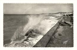 Cp, 14, Villers-sur-Mer, Effet De Vagues, Voyagée  1956 - Villers Sur Mer