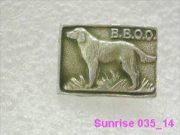Animals: Setter - Hunters Dog - All Union Hunters Club / Old Soviet Badge_035_an3676 - Animales