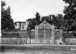 Cpsm LA BEGUDE DE MAZENC, Le Château Loubet  , Colonie Usinor    (28.119) - Autres Communes